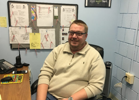 Mustangs Welcome a New Student Resource Officer